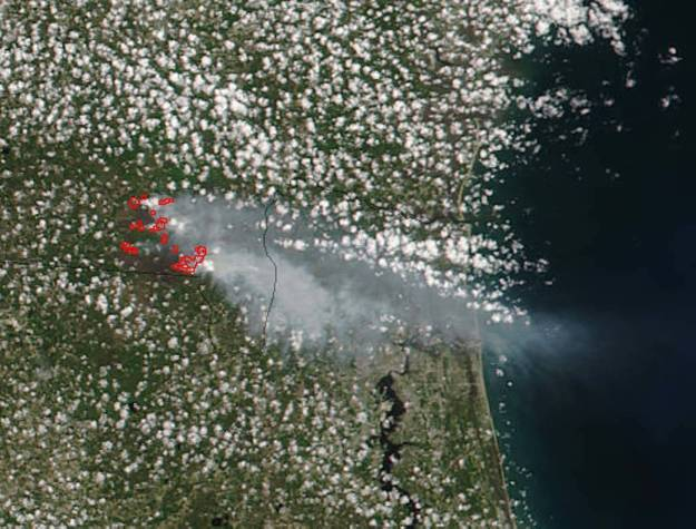 NASA satellite view of West Mims Fire smoke blowing to Jacksonville, FL