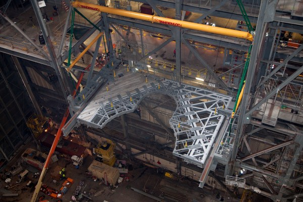 New Work Platform Installed in Vehicle Assembly Building