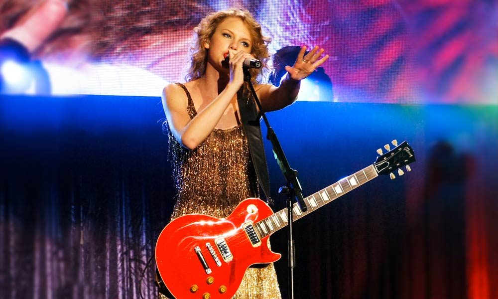 20-top-selling-country-stars_taylor-swift