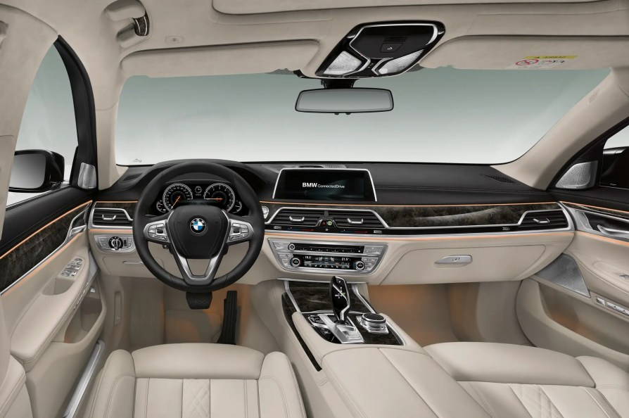BMW 7 Airbags