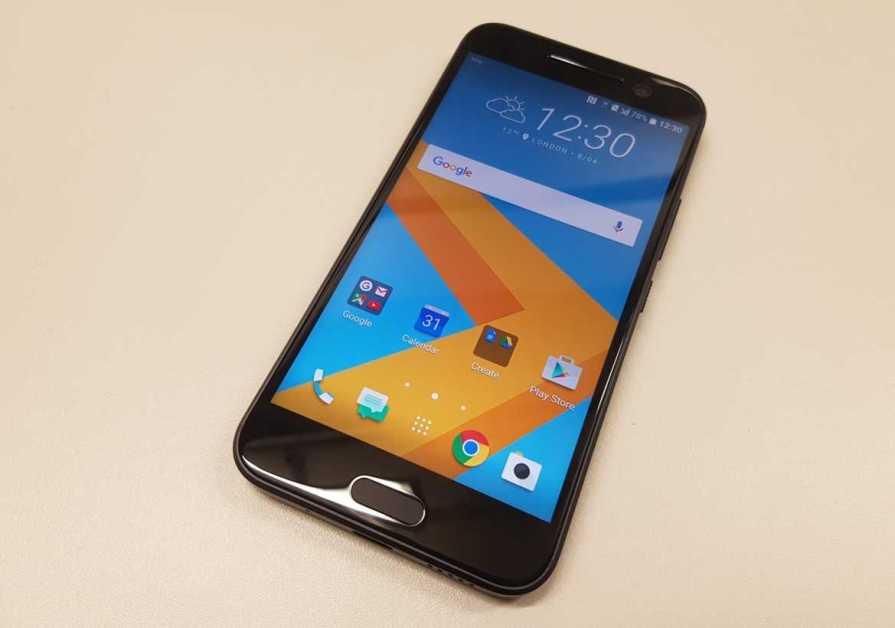 HTC 10 and Google Nexus 2016