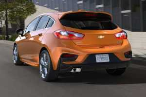 2017-Chevrolet-Cruze-Hatchback