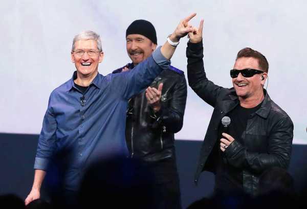 Tim Cook Apple CEO take on VR vs AR