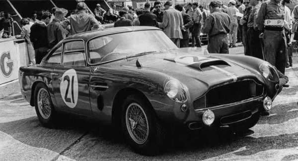 Aston Martin Classic DB4 GT