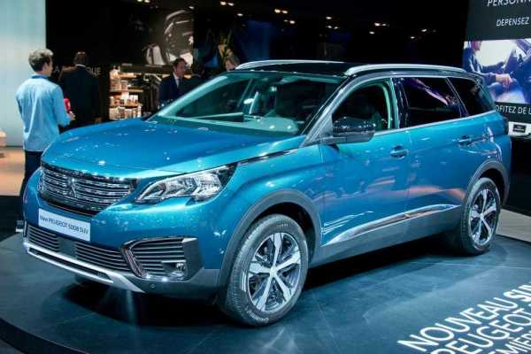 Peugeot 5008 SUV with Add-ons