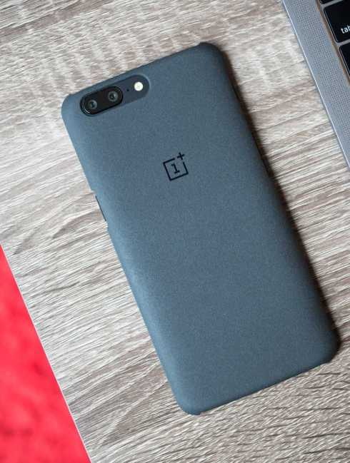 OnePlus 5 Gets Face ID Unlock Just like OnePlus 5T, It's in Beta