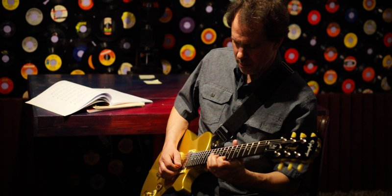 Dave Isaacs practicing