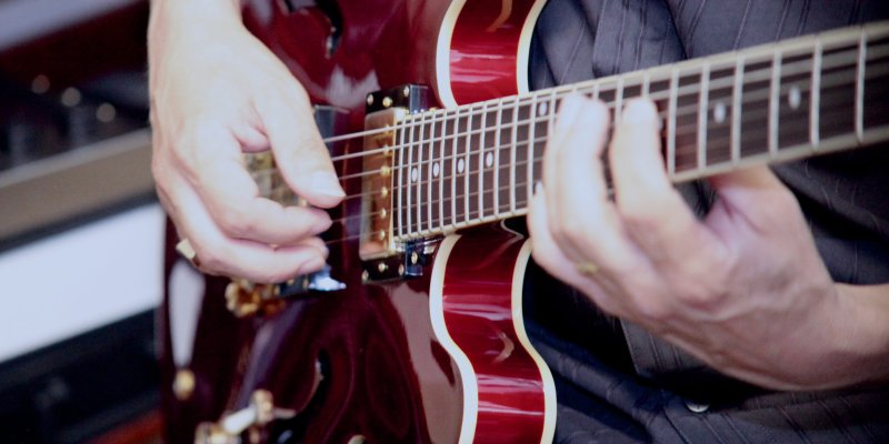 Red Epiphone