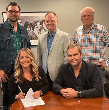 Laura-Leigh-Jones-signs-with-Billy-Blue-Music-Publishing-