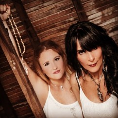 Jude Toy and Erinn Bates The Darlins
