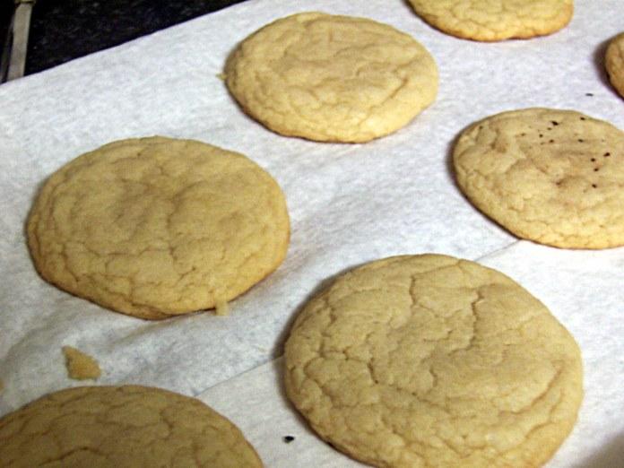 Trisha Yearwood sugar cookie