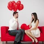Как заставить мужчину безумно в вас влюбиться? Соблазняйте его и улыбайтесь