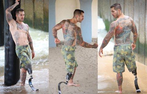 Алекс Мински - модель без ноги