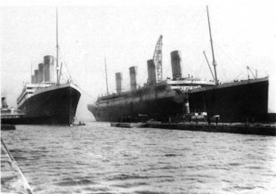 «Олимпик» и «Титаник» в доке