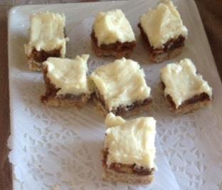 Mascarpone-white chocolate walnut square