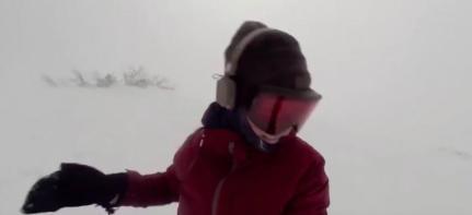 kelly-murphy-snowboarding-in-japan-1460384575
