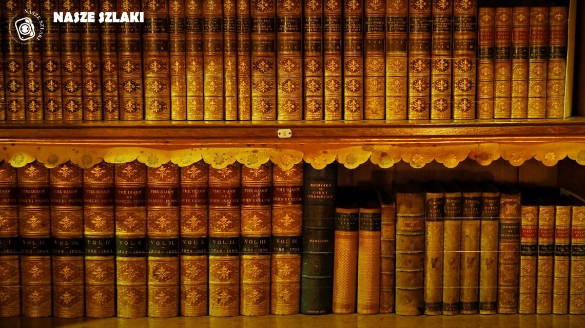 tapeta-pulpit-komputer-fullhd-książki-biblioteka-starodruki