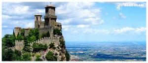 San Marino, Włochy latem, podziemia twierdzy, atrakcja turystyczna, widok na wybrzeże, co zobaczyć, szczyt góry, zamczysko, zamek na szczycie,