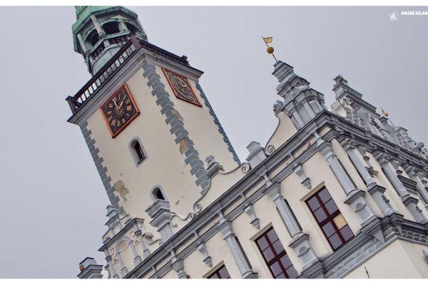 Budynek zabytkowego ratusza w Chełmnie, mieście zakochanych