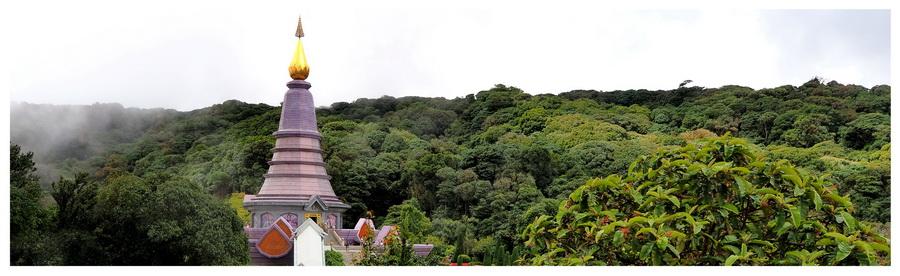 Wyprawa do Doi Inthanon, atrakcji turystycznej w Taljandii, pagoda, świątynia, góra,