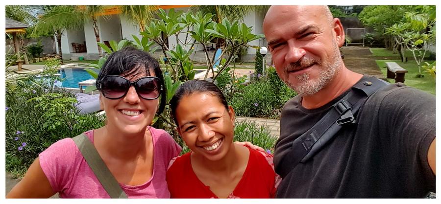 Bali-Indonezja-hotel-tanio-Orange-Balangan-Bungalow-and-Spa-wyspa-basen-przyjemny-spokojny