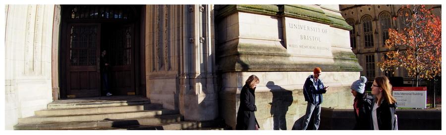 Bristol-UK-Anglia-Avon-Wielka-Brytania-opowiadanie-blog-podróże-zwiedzanie-turystyka-co-zobaczyć-uniwersytet-Clifton-studenci