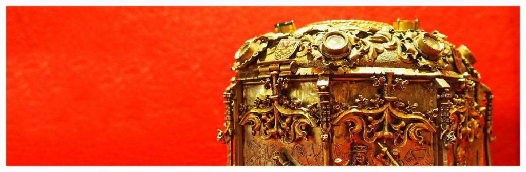 Gniezno-dawna-stolica-atrakcje-co-zobaczyć-wielkopolaska-katedra-drzwi-zwiedzanie-relikwiarz-na-głowę