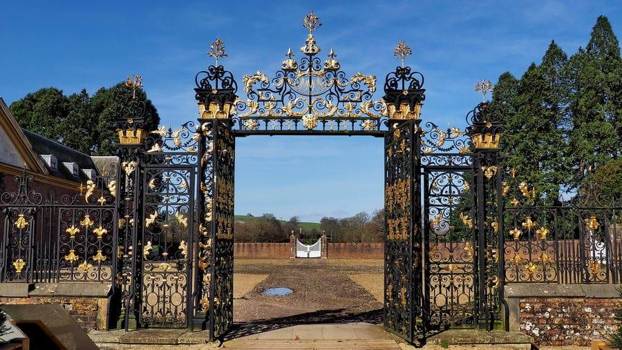 National Trust Tredegar House brama wjazdowa