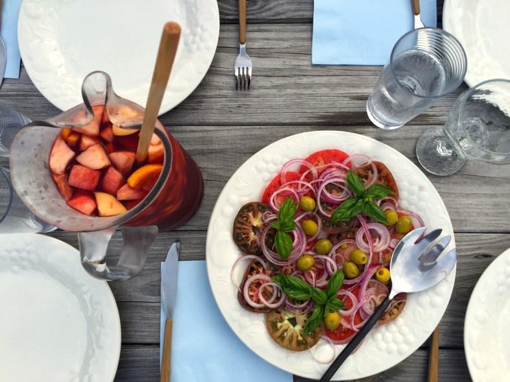 Tomato and onion salad, Mama ía