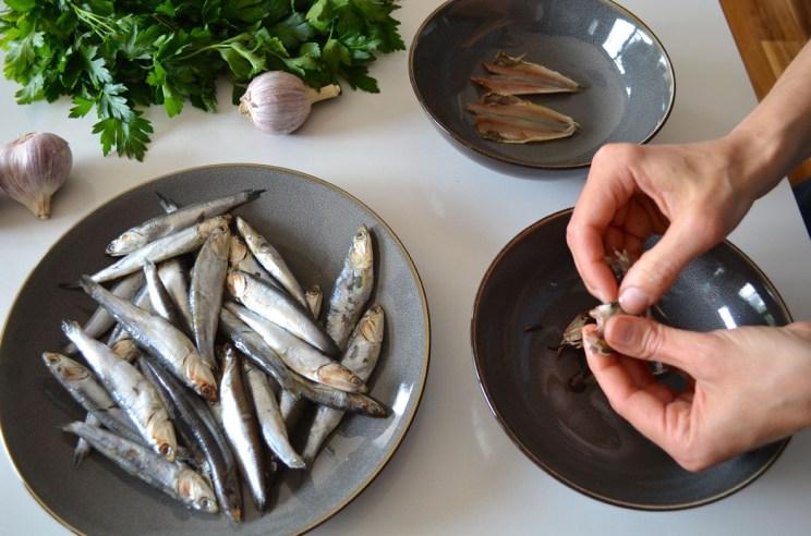 Fresh white anchovies in vinegar, Mama ía