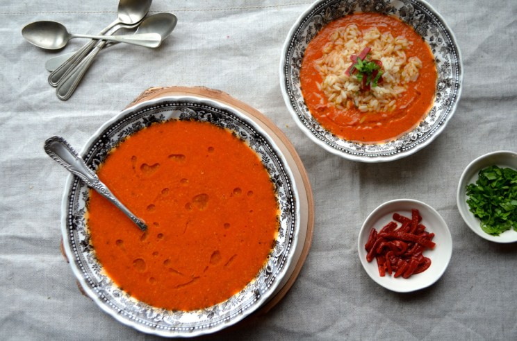 Piquillo pepper and chickpea soup with rice, Mama ía