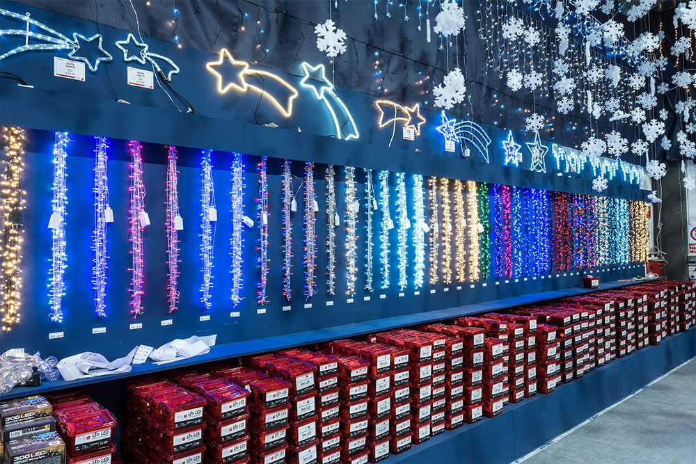 Tenda luminosa natale catene luminose luci led tende con 8 modalità di illuminazione per esterno/interno, addobbi natalizi per la casa,camera da letto. Luci Natalizie 2021 Per Interni E Esterni Natale Agribrianza