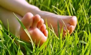 bare-feet-in-grass