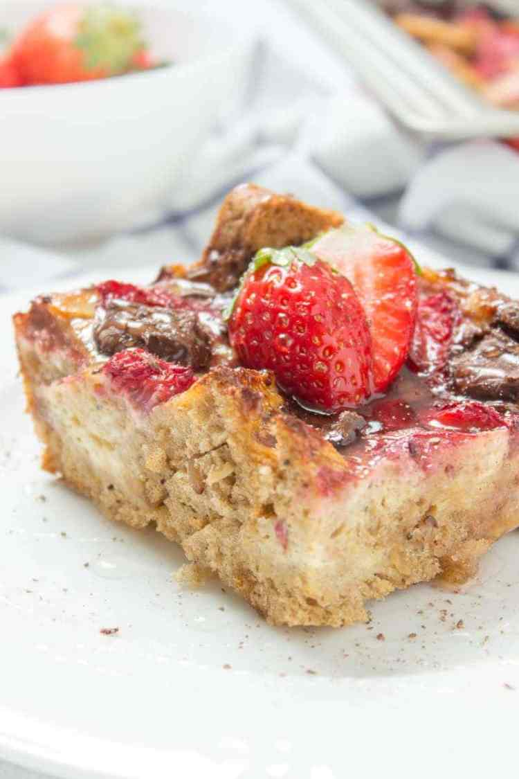 Sweet and bursting with flavor, this Strawberry Chocolate French Toast Casserole is the ultimate crowd-pleaser. It's filled with cottage cheese, nutritious and super HEALTHY. A delectable, make-ahead morning treat or brunch. #breakfast #healthy #brunch #overnight #casserole