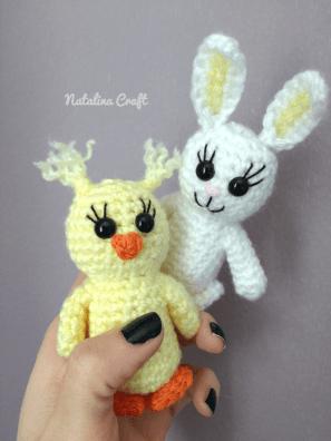 Free crochet pattern chick: Amigurumi Big eyes baby chick
