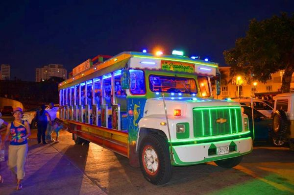 Chiva Bus com Rumba - Cartagena