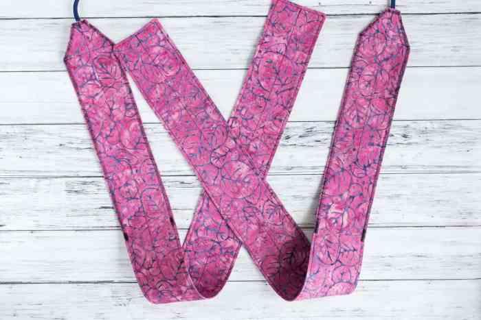 pink leaf wrist wraps