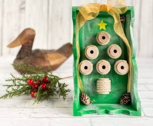 Rustic Thread Spool Christmas Tree Shadow Box
