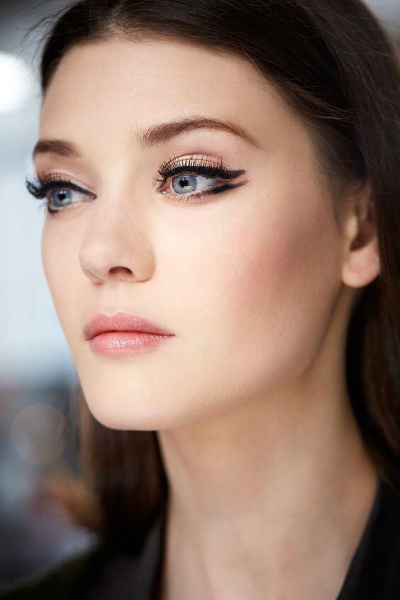 Come Applicare Eyeliner vogue.co.uk Via Pinterest