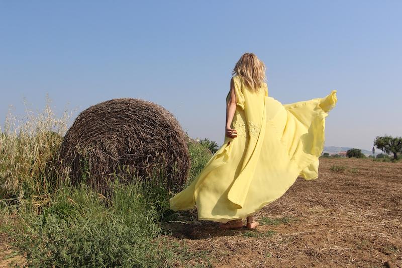 Come Indossare un Caftano giallo Maurizio Pecorari