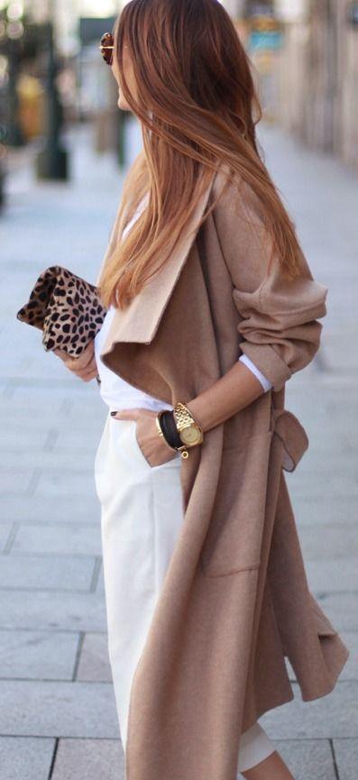 Come portare il cammello e i beige caldi