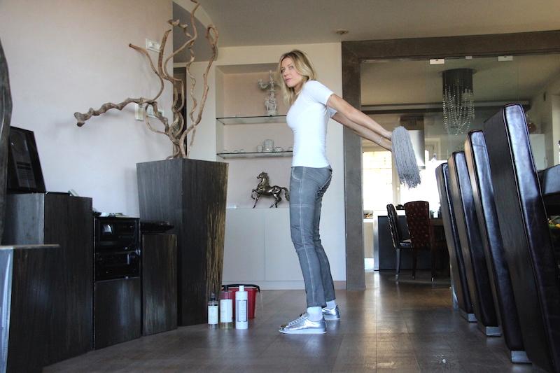 Come fare le pulizie di casa facendo ginnastica for Come fare i tuoi piani di casa