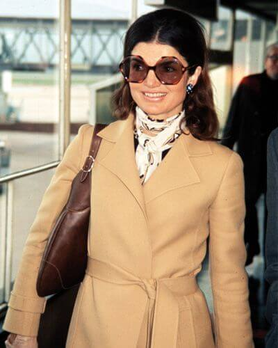 lo stile Jackie O trench