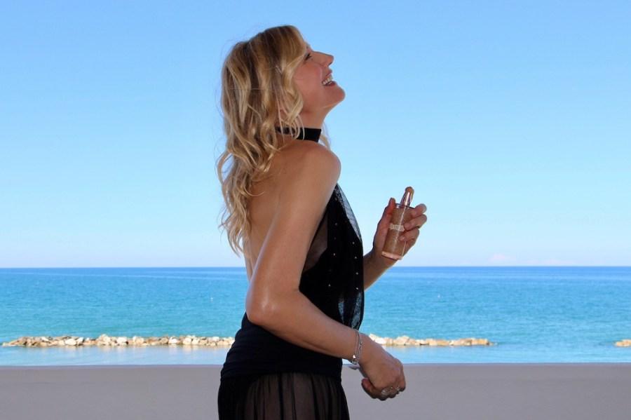 Abbronzatura perfetta e pelle giovane Natasha Stefanenko per la Mer 4