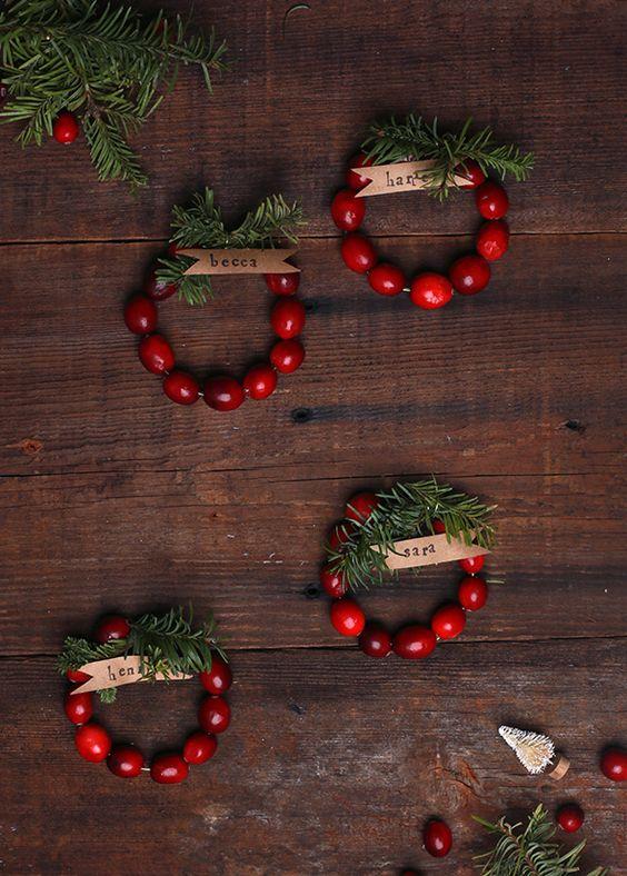 idee furbe per la tavola di Natale bacche