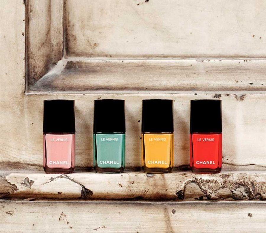 Модные цвета лаков для ногтей на лето 2018, Chanel