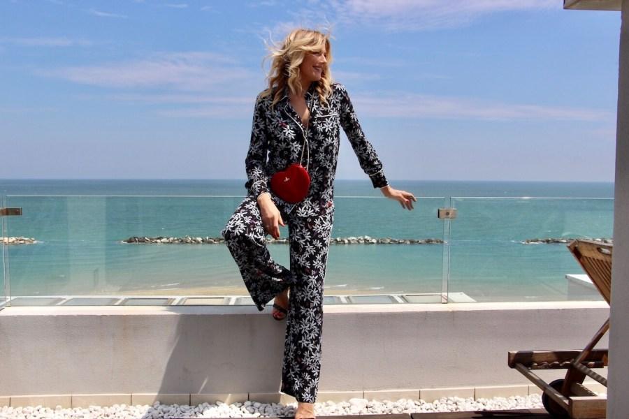 come indossare il pigiama da sera per uscire Natasha Stefanenko