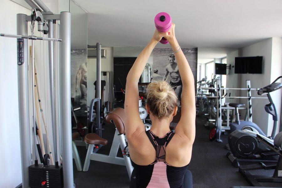 4 esercizi imbattibili per braccia perfette Natasha Stefanenko