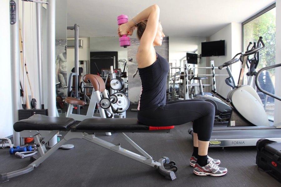 4 esercizi imbattibili per braccia perfette Natasha Stefanenko 4