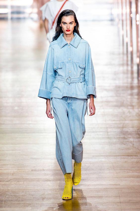 Tendenze PE 2019 denim chic fashionista.com